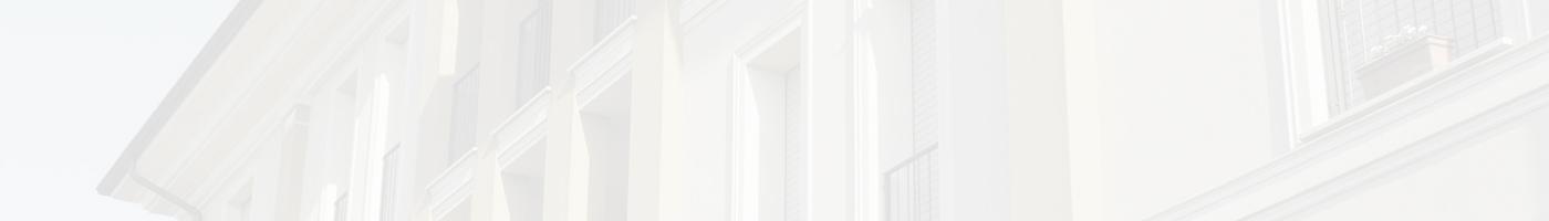 Wir bieten Fassadengestaltung mit Stuckleisten oder Renovierungsanstriche alter Fassaden.