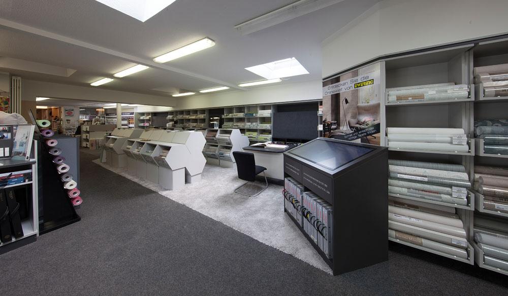 Eine große Auswahl an Lagertapeten sowie über 500 Tapetenbücher zur Auswahl.