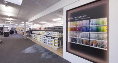 Die Farbenabteilung mit der Wunschfarbton Mischecke in unserem Fachgeschäft.