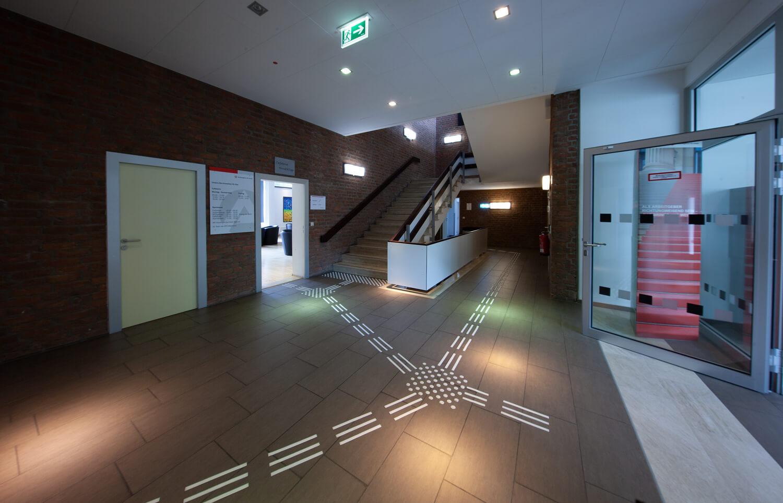 Bodenleitysystem im Innenbereich Treppenaufstieg