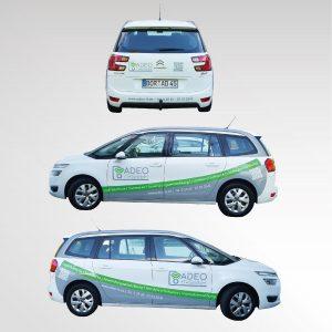 Fahrzeugbeschriftung Firmenfahrzeug Adeo IT-GmbH Werbetechnik