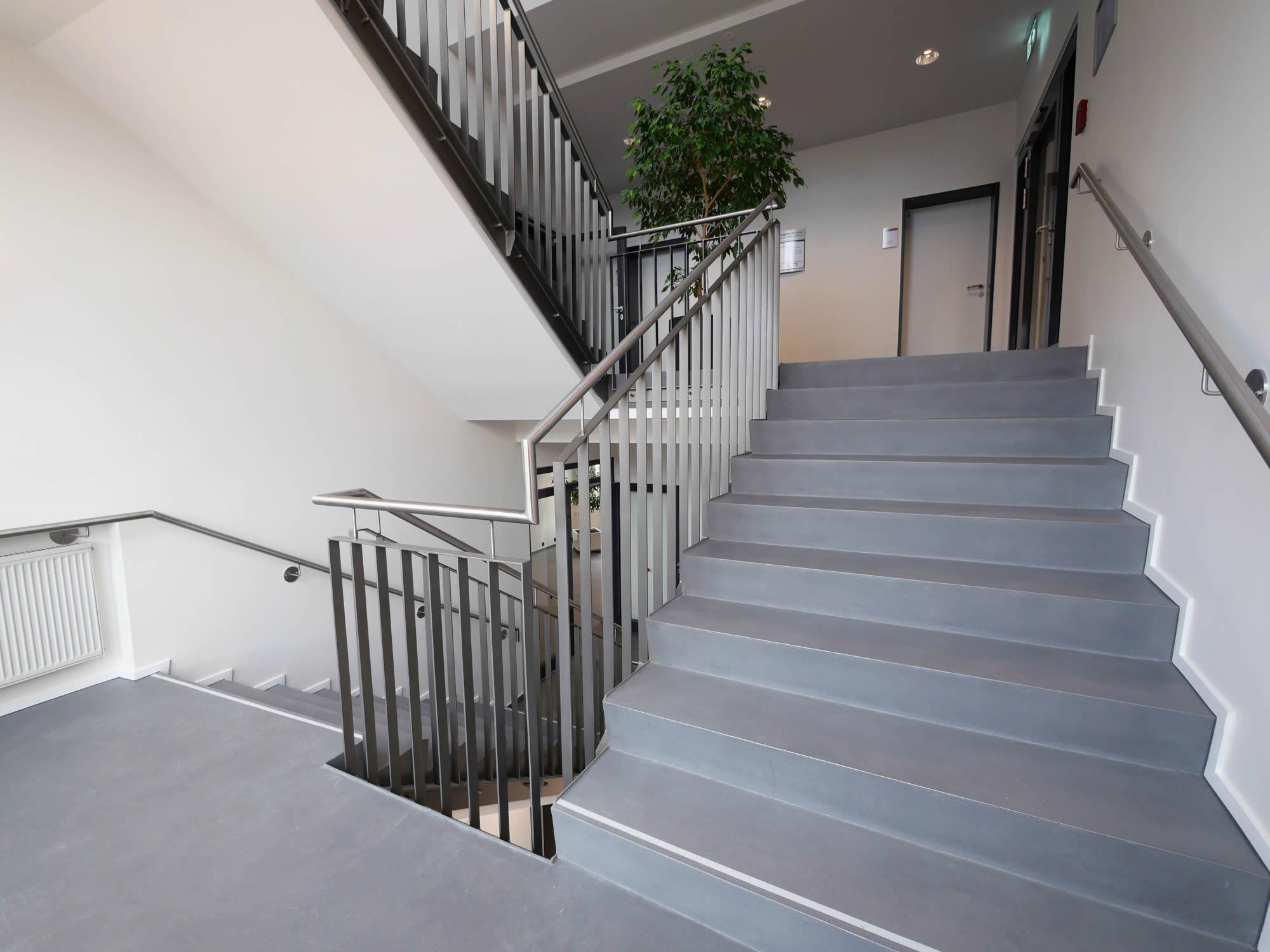 Treppenhaus Frescolori Putz Ewering